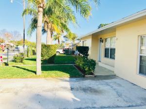 143 W 34th Street, Riviera Beach, FL 33404