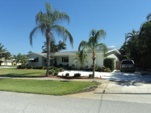 748 Dogwood Road, North Palm Beach, FL 33408