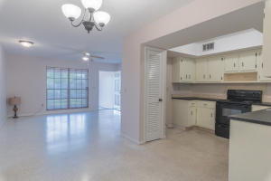 151 NE Penlynn Avenue, Port Saint Lucie, FL 34983