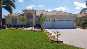 2204 SE Montrose Lane, Port Saint Lucie, FL 34952