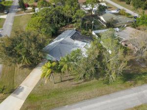 1693 SE Trumpet Lane, Port Saint Lucie, FL 34983