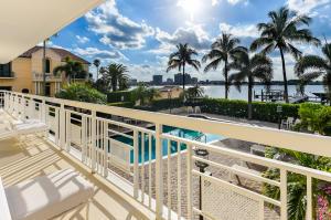 250 Bradley Place, 208, Palm Beach, FL 33480