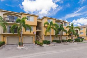 1000 Crestwood Court, 1015, Royal Palm Beach, FL 33411