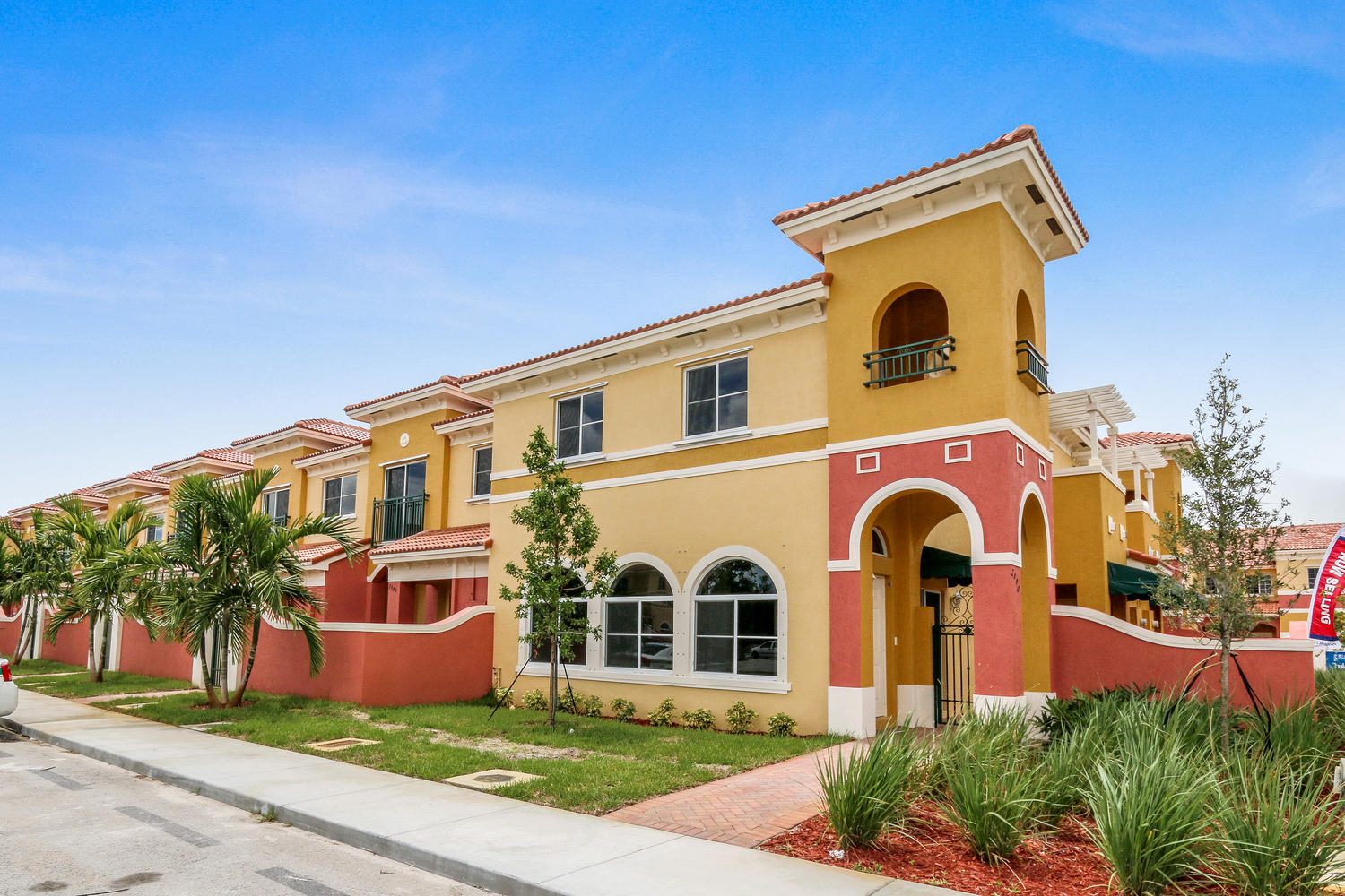 3541 NW 29th Ct Lauderdale-large-003-19-