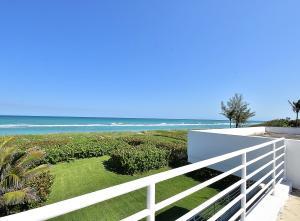 35 Beach Road, Hobe Sound, FL 33455
