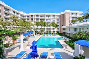 100 Worth Avenue, 421, Palm Beach, FL 33480