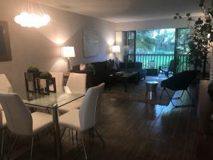 202 Brackenwood Terrace, Palm Beach Gardens, FL 33418