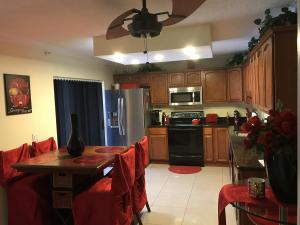 107 1st Way, West Palm Beach, FL 33407