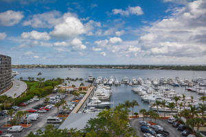 123 Lakeshore Drive, North Palm Beach, FL 33408