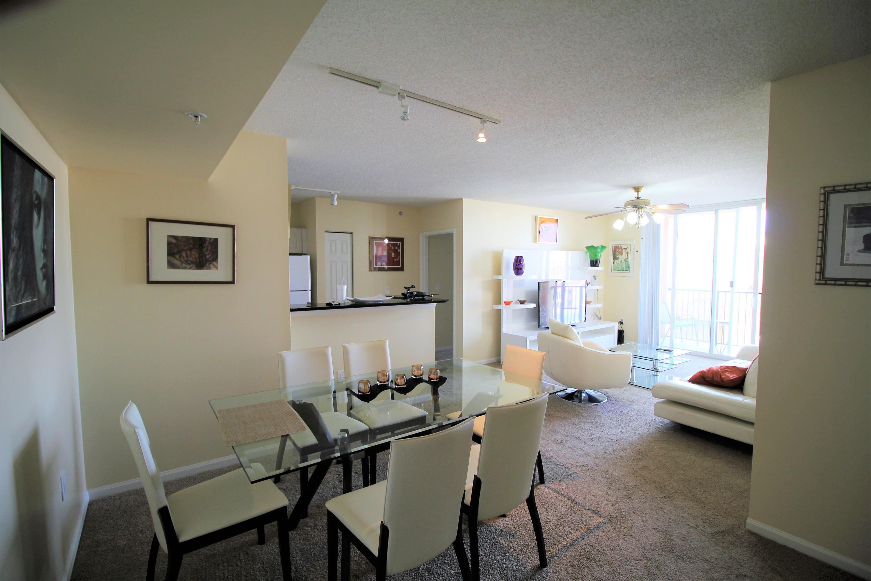 651 Okeechobee Boulevard, West Palm Beach, Florida 33401, 2 Bedrooms Bedrooms, ,2 BathroomsBathrooms,Condo/Coop,For Sale,TOWER CONDO AT CITYPLACE,Okeechobee,410,RX-10412434