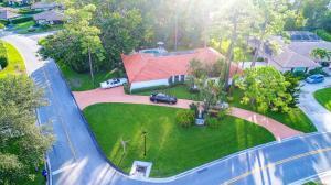 542 S Country Club Drive, Atlantis, FL 33462