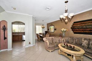 3130 N Oasis Drive, Boynton Beach, FL 33426