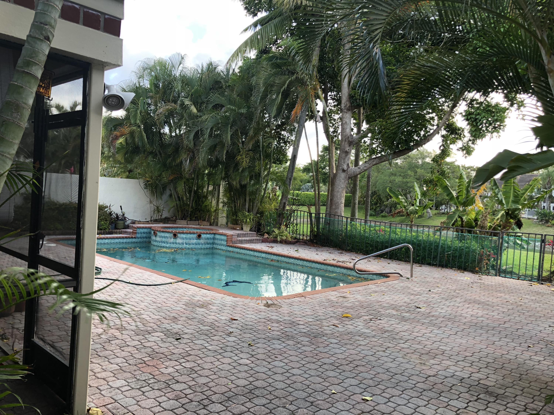 23328 Mirabella Circle N Boca Raton, FL 33433