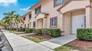 1807 Lakeview Drive W, Royal Palm Beach, FL 33411