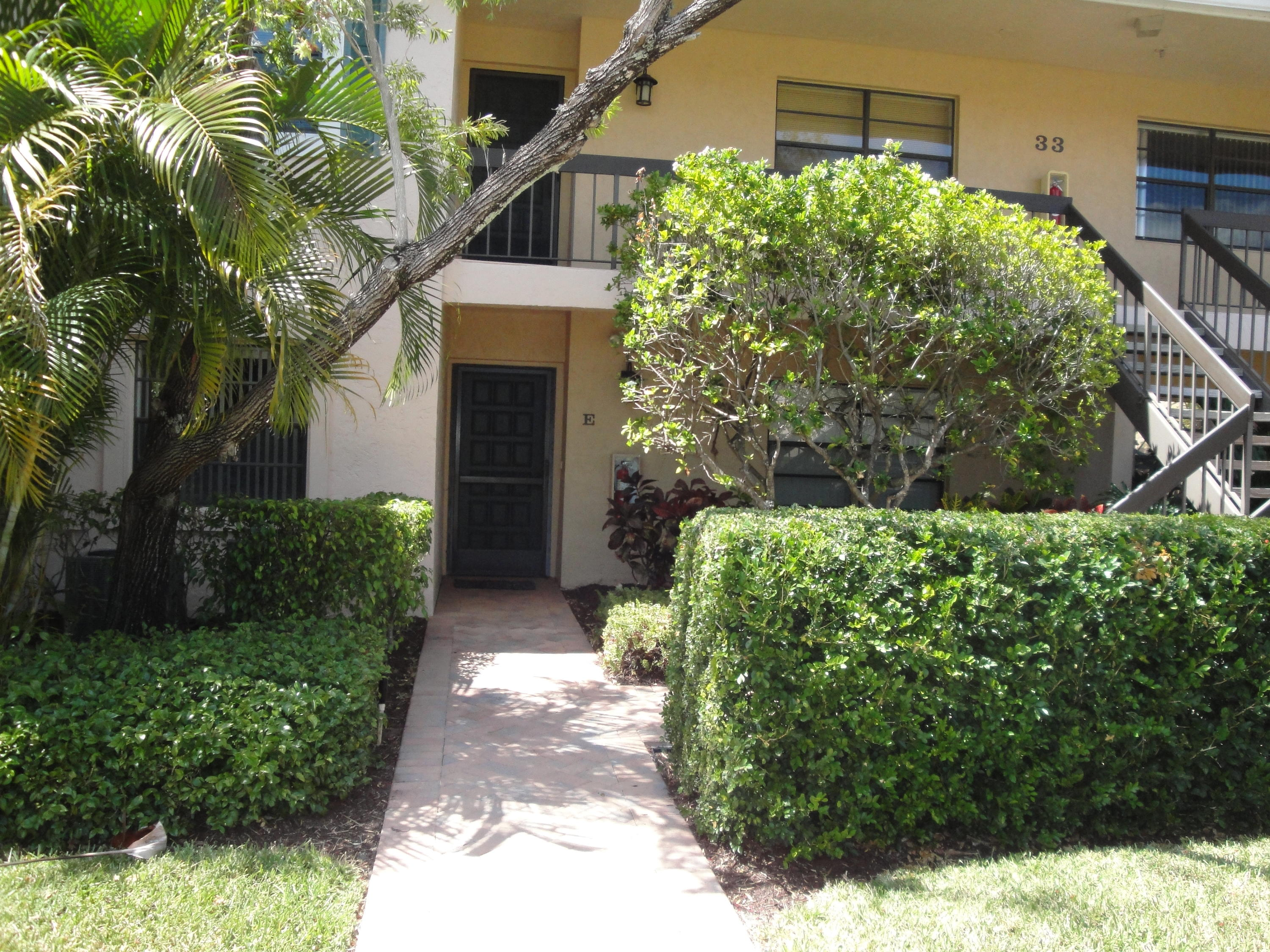 33 Southport Lane, Boynton Beach, Florida 33436, 2 Bedrooms Bedrooms, ,2 BathroomsBathrooms,Condo/Coop,For Sale,Hunters Run,Southport,1,RX-10418500