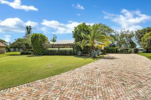4596 Spruce Lane, Palm Beach Gardens, FL 33418