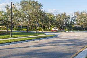 185 Sedona Way, Palm Beach Gardens, FL 33418
