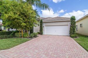 156 Palm Circle, Atlantis, FL 33462