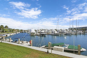 21 Yacht Club Drive, 103, North Palm Beach, FL 33408