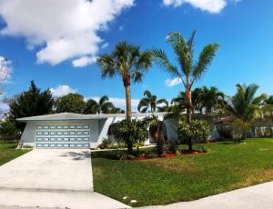 3901 Dogwood Avenue, Palm Beach Gardens, FL 33410