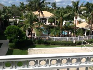 3304 Myrtlewood E, Palm Beach Gardens, FL 33418