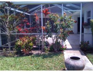 8401 Chapman Oak Court, Palm Beach Gardens, FL 33418