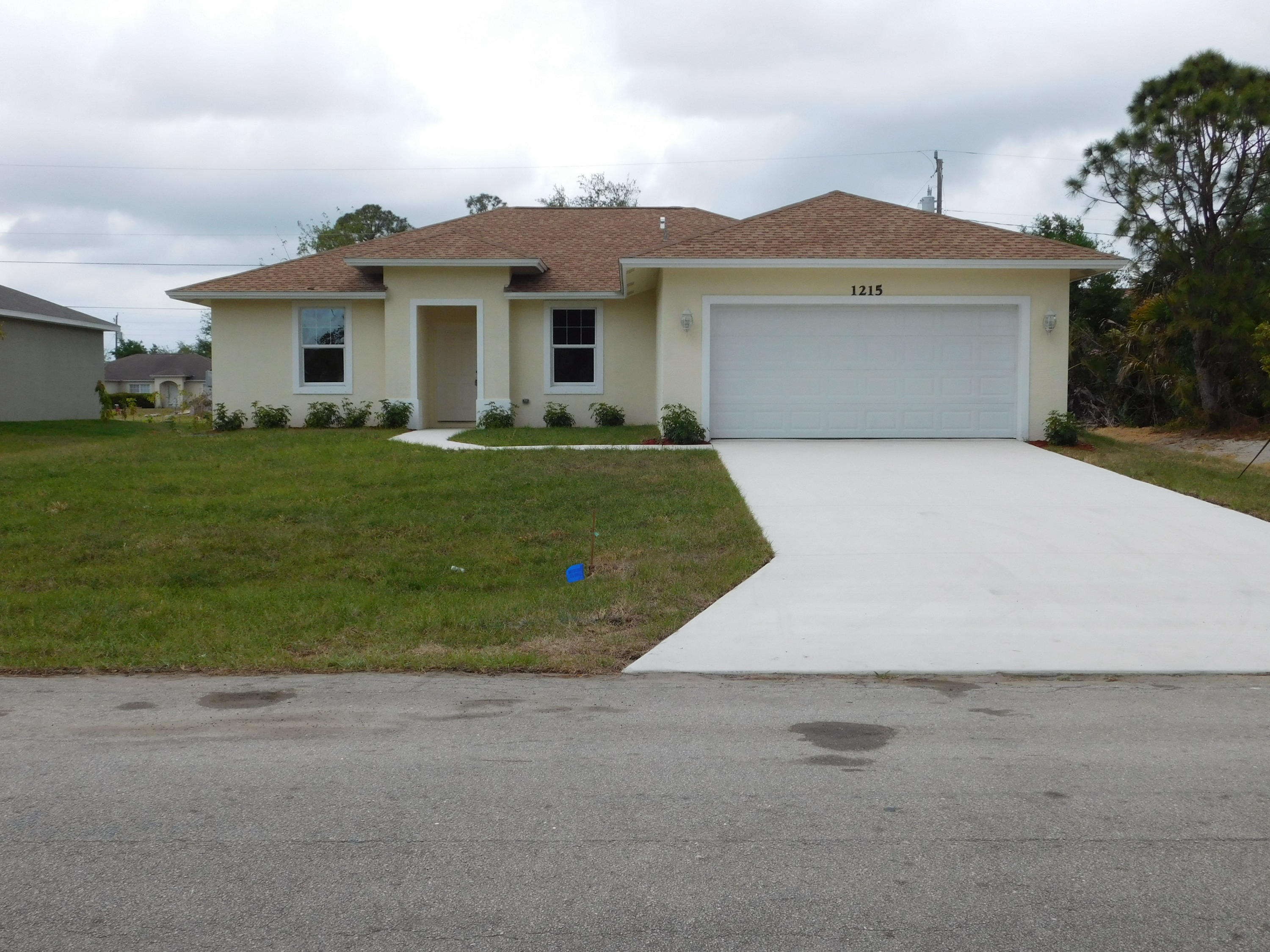 1215 Ermine Avenue, Port Saint Lucie, Florida 34953, 4 Bedrooms Bedrooms, ,2 BathroomsBathrooms,Single Family,For Sale,Ermine,RX-10421843