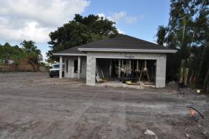 17694 Carver Avenue, Jupiter, FL 33458