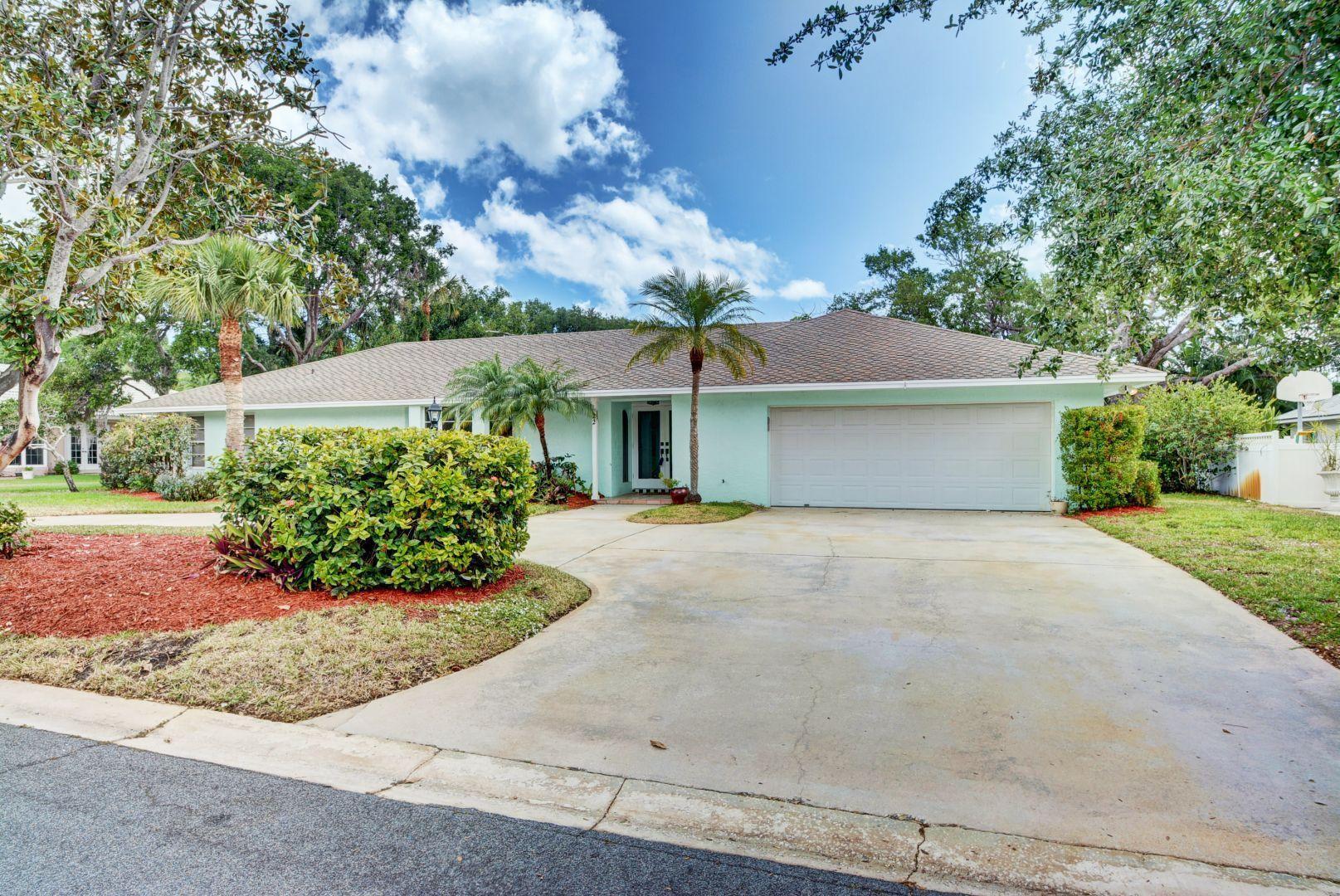 22 Banyan Road, Sewalls Point, Florida 34996, 4 Bedrooms Bedrooms, ,3.1 BathroomsBathrooms,Single Family,For Sale,Banyan,RX-10421944