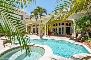 1012 Grand Court Highland Beach FL 33487