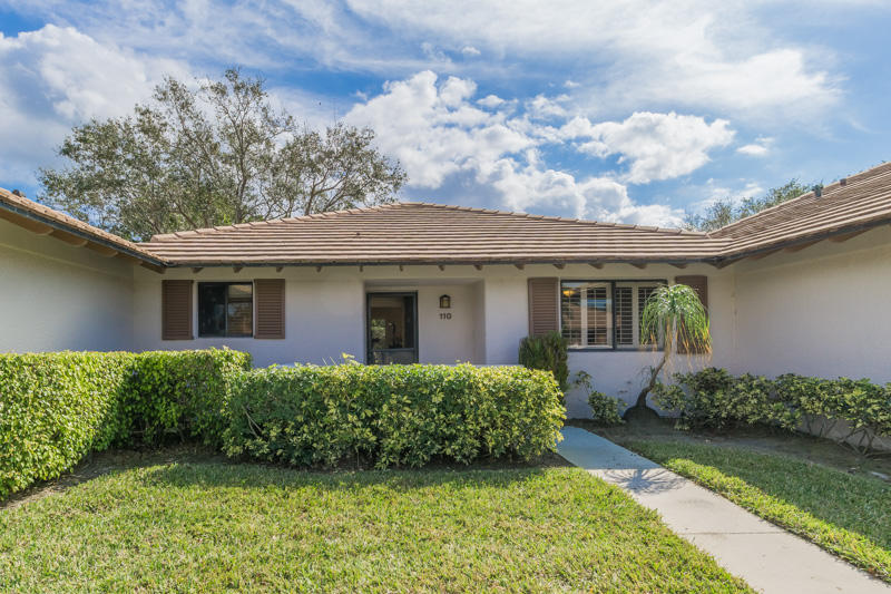 110 Club Drive, Palm Beach Gardens, Florida 33418, 2 Bedrooms Bedrooms, ,2 BathroomsBathrooms,Townhouse,For Rent,PGA National,Club,1,RX-10424721