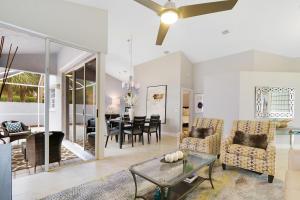 21 Wyndham Lane, Palm Beach Gardens, FL 33418