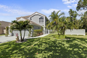 13901 Palm Grove Place, Palm Beach Gardens, FL 33418