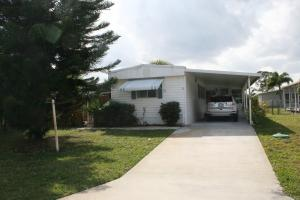 8576 SE Seabird Avenue, Hobe Sound, FL 33455
