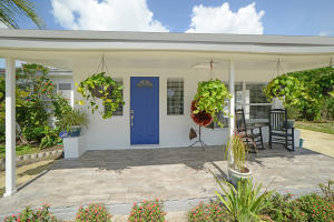 2102 NE 3rd Avenue, Delray Beach, FL 33444