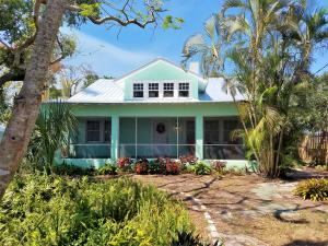 2150 SE Country Club Lane, Stuart, FL 34996
