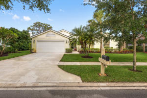 18601 Misty Lake Drive, Jupiter, FL 33458