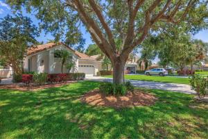 6837 Briarlake Circle, Palm Beach Gardens, FL 33418