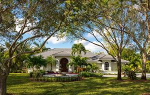 7675 Steeplechase Drive, Palm Beach Gardens, FL 33418