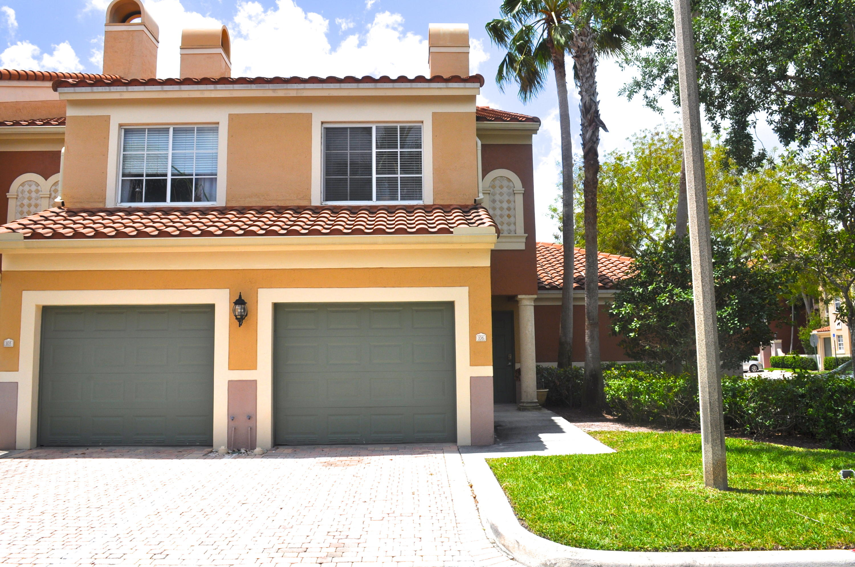 11775 St Andrews Place, Wellington, Florida 33414, 2 Bedrooms Bedrooms, ,2.1 BathroomsBathrooms,Condo/Coop,For Sale,ST ANDREWS AT THE POLO CLUB,St Andrews,1,RX-10428302