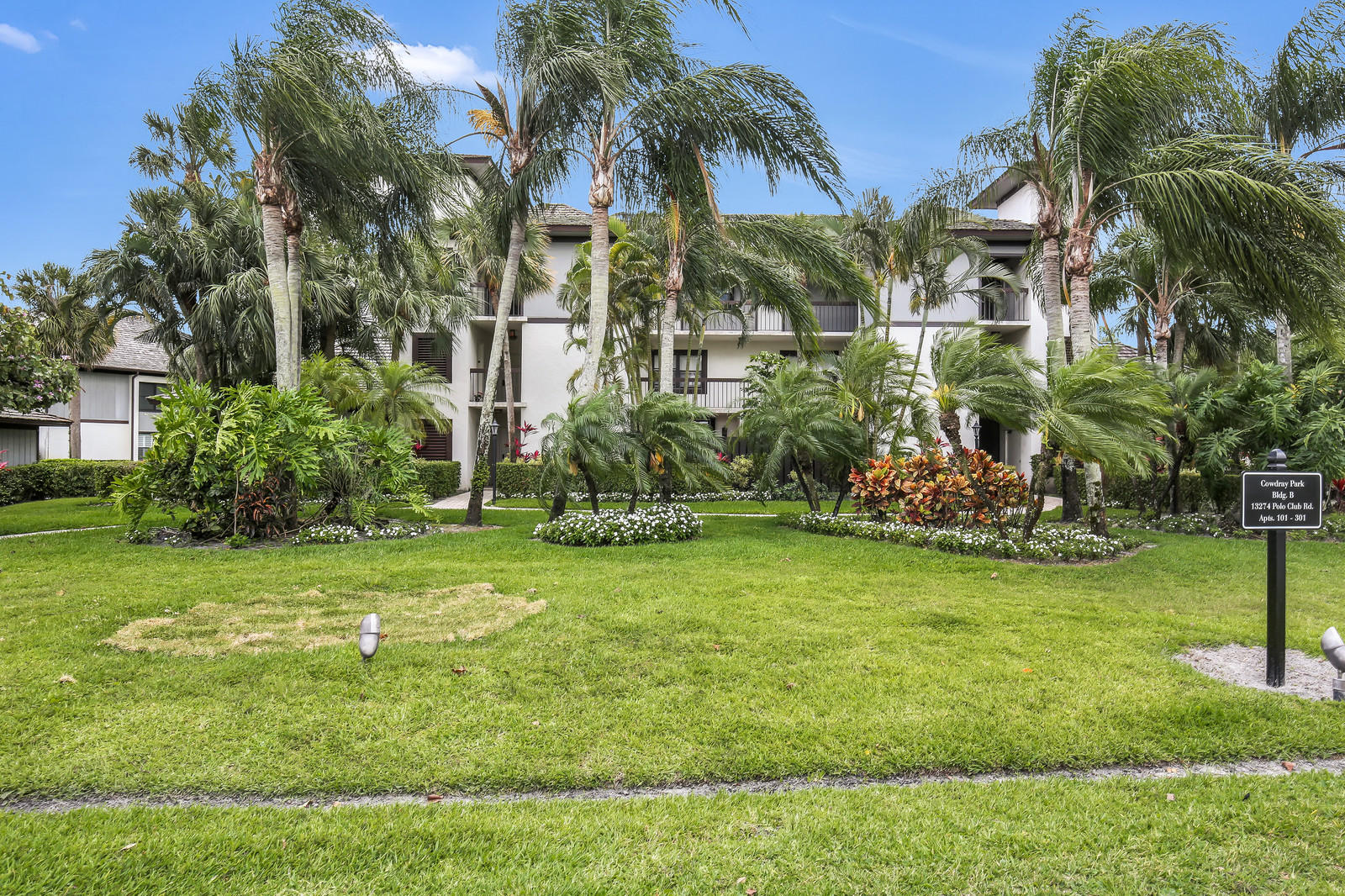 13274 Polo Club Road, Wellington, Florida 33414, 4 Bedrooms Bedrooms, ,4 BathroomsBathrooms,Condo/Coop,For Sale,Polo Club,3,RX-10428975