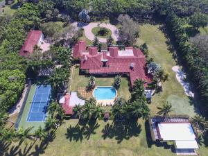 Private Horseshoe acres sanctuary in the city of Boca Raton