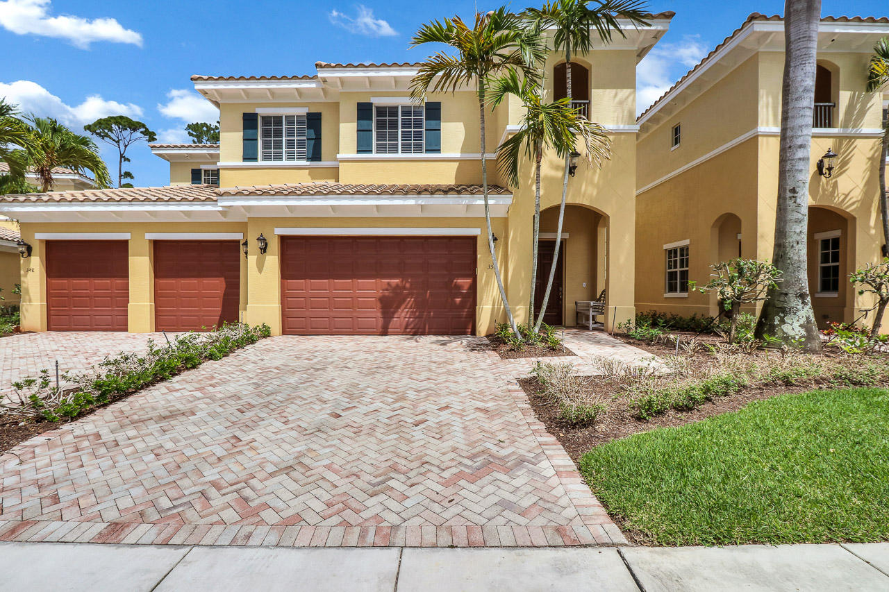 350 Chambord Terrace, Palm Beach Gardens, Florida 33410, 2 Bedrooms Bedrooms, ,2.1 BathroomsBathrooms,Townhouse,For Sale,Frenchmans Reserve,Chambord,RX-10430775