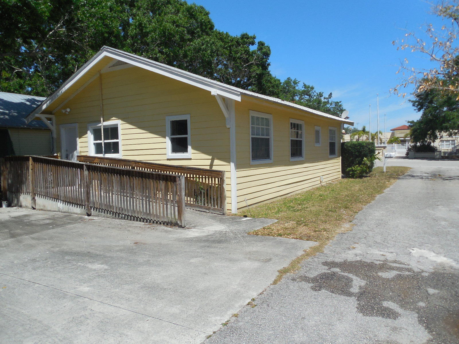 1111 Delaware Avenue, Fort Pierce, Florida 34950, 2 Bedrooms Bedrooms, ,1 BathroomBathrooms,Single Family,For Sale,Delaware,RX-10430138