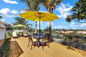 Large open airy deck for dining and entertaining