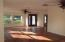 Big rooms with lots of natural light,