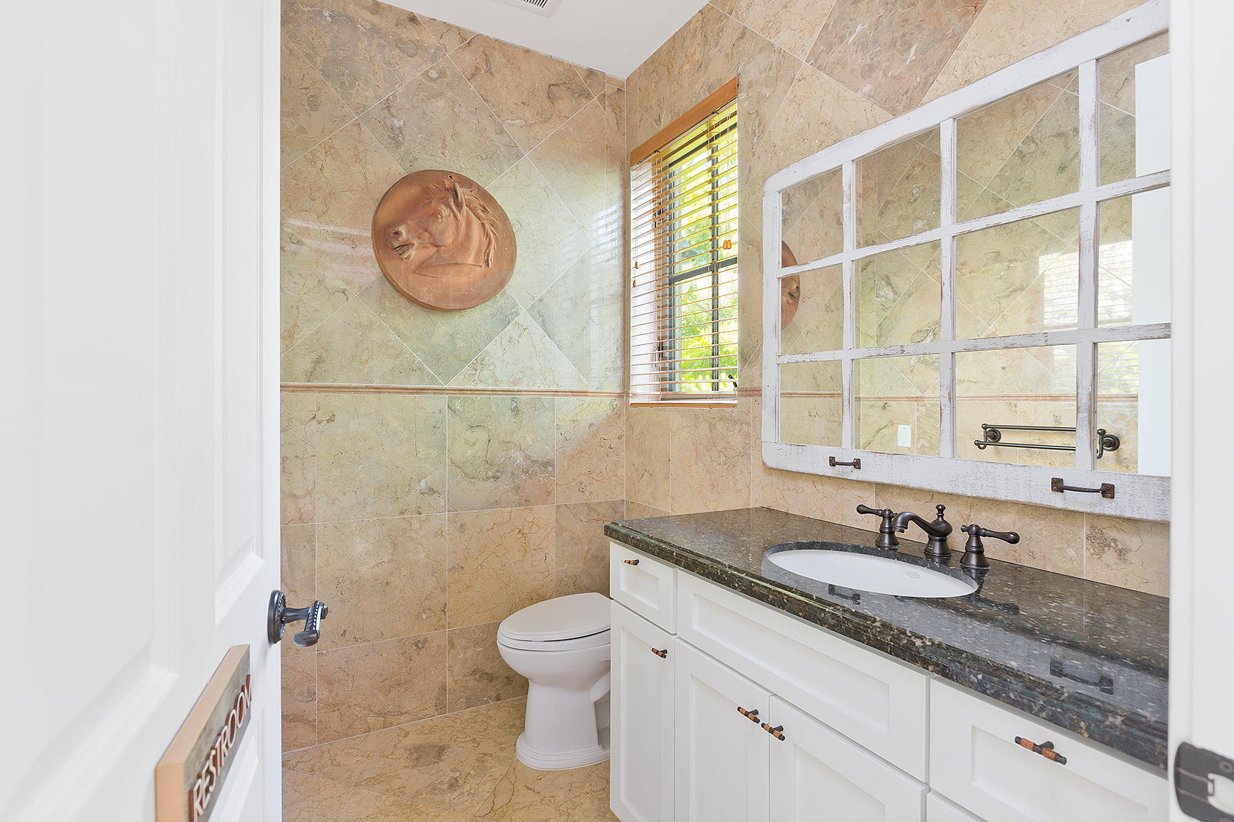 37_Bathroom_Bar