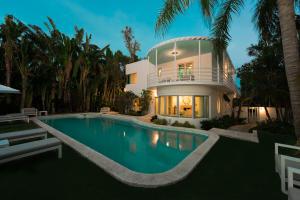 1221 N Lake Way, Palm Beach, FL 33480