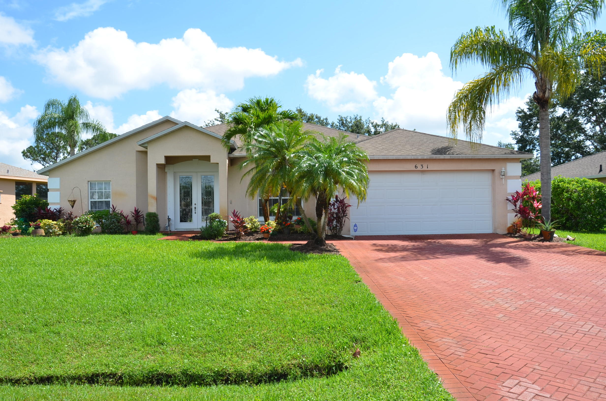 631 SE Stow Terrace Port Saint Lucie, FL 34984 RX-10434235