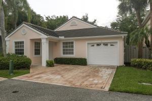 5 Admirals Court, Palm Beach Gardens, FL 33418